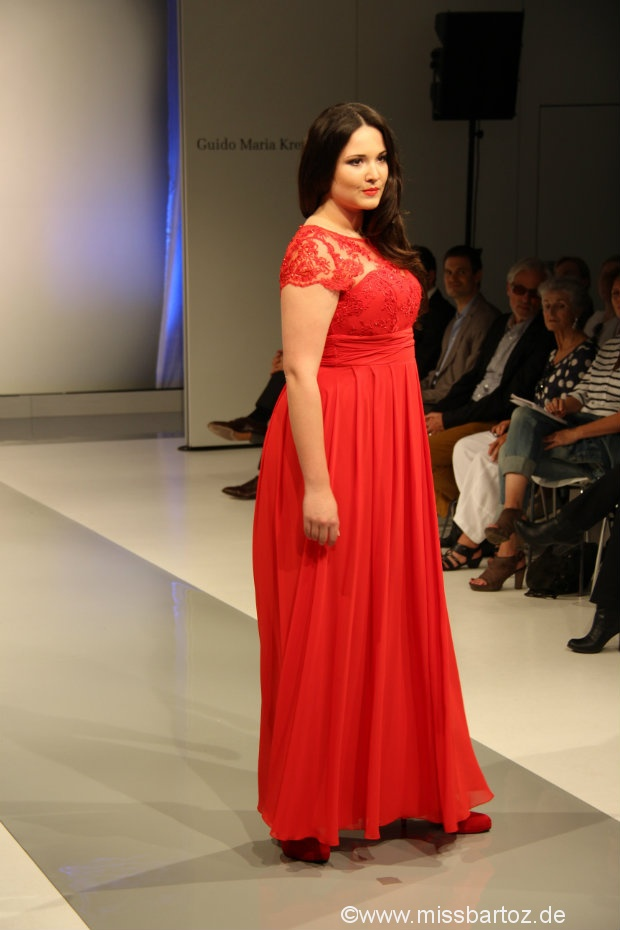 guido maria kretschmer plus size rotes langes kleid 2