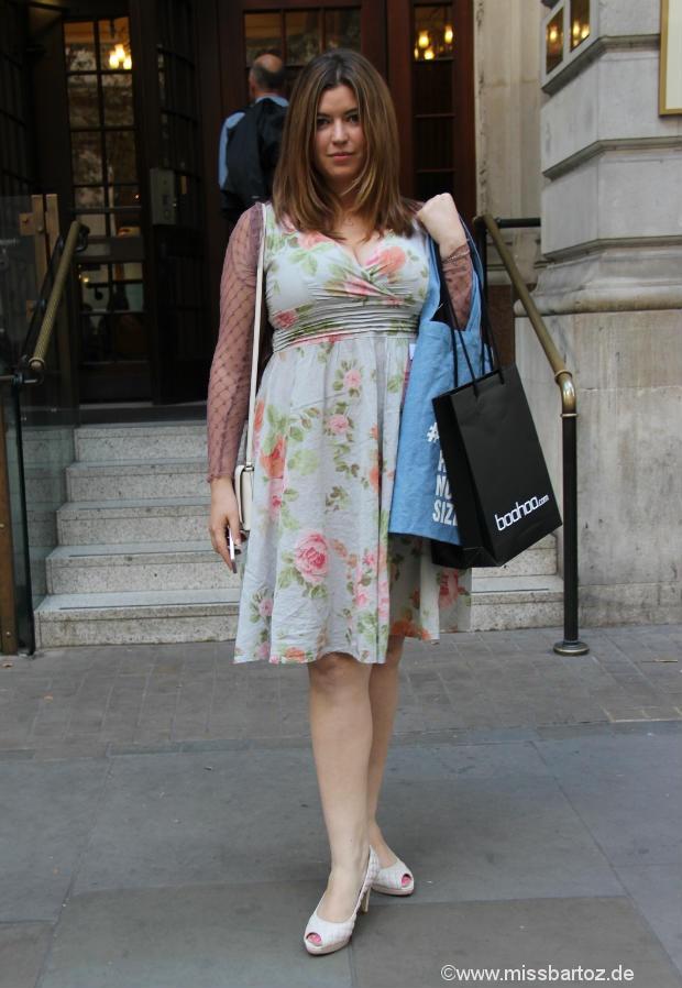 curvy dress london style