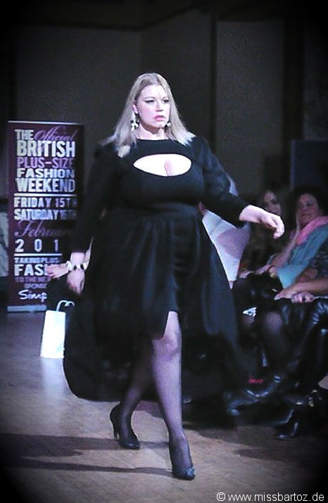 Syreeta Plus Size Fashion Weekend Archive   Plus Size Blog - Mode ... dfef5685bd