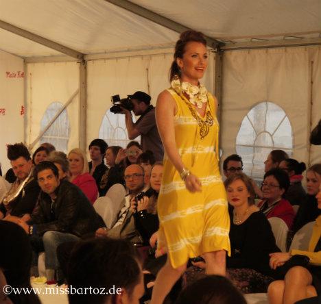 maite-kelly-show-gelbes-kleid