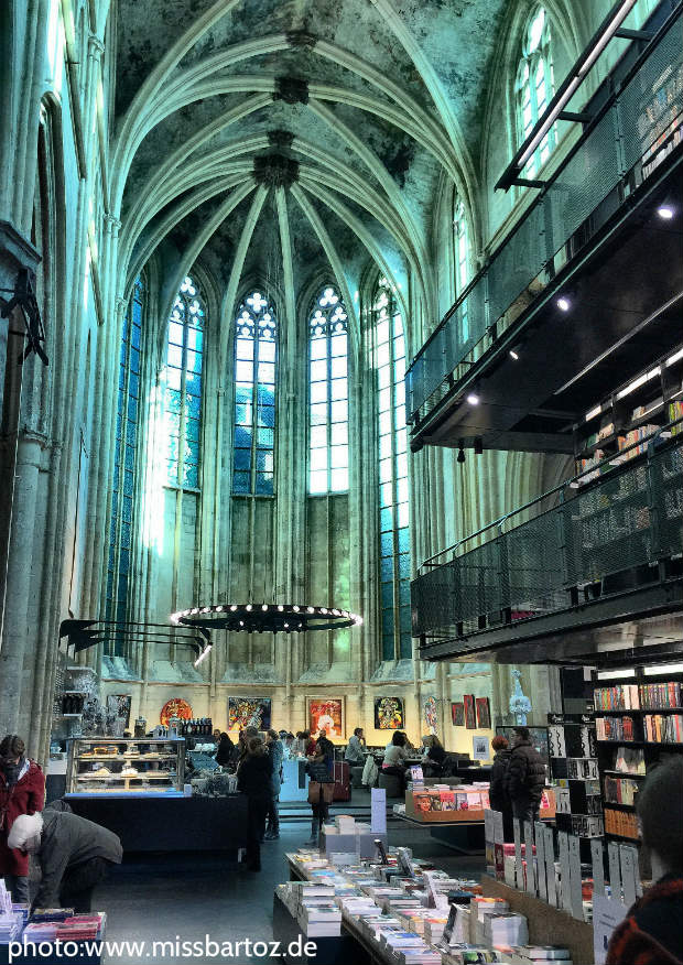 boekhandel dominicanen maastricht buchhandlung kirche