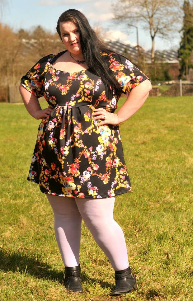Outfit April Conny