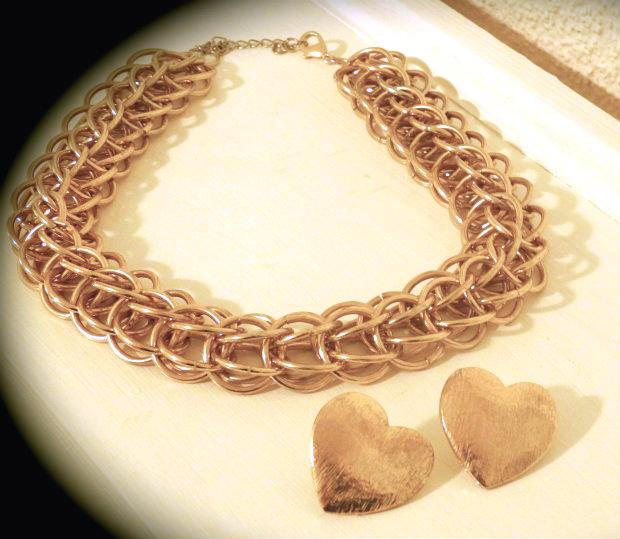 goldene Kette mit Herzohrstecker 1