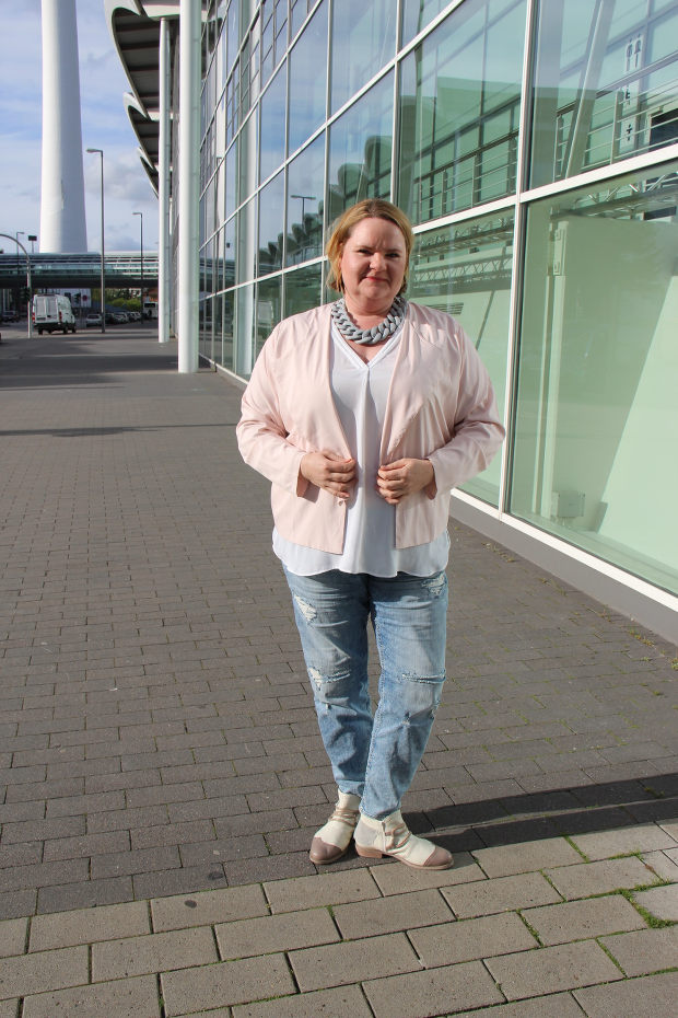 helles Outfit uebergroesse