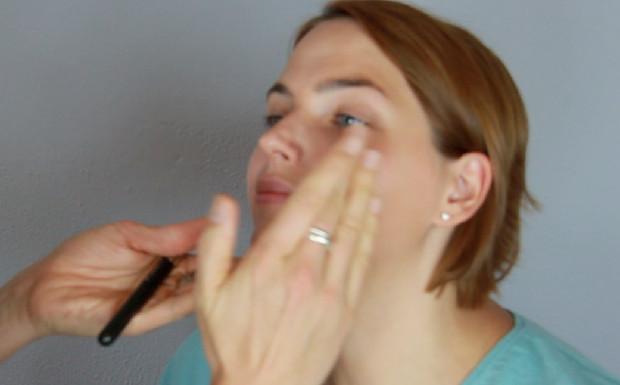Das fünf Minuten Make-up Fondation